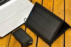 SOLAR CHARGING LAPTOP BATTERY
